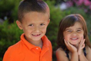 El aprender a cuidar la salud bucodental debe comenzar cuando los niños son pequeños